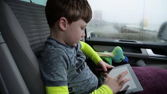 Comment occuper des enfants lors d'un trajet en voiture?